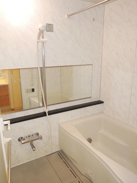 横浜市鶴見区の賃貸マンション ナイスビューリヨン横濱鶴見705号室 浴室