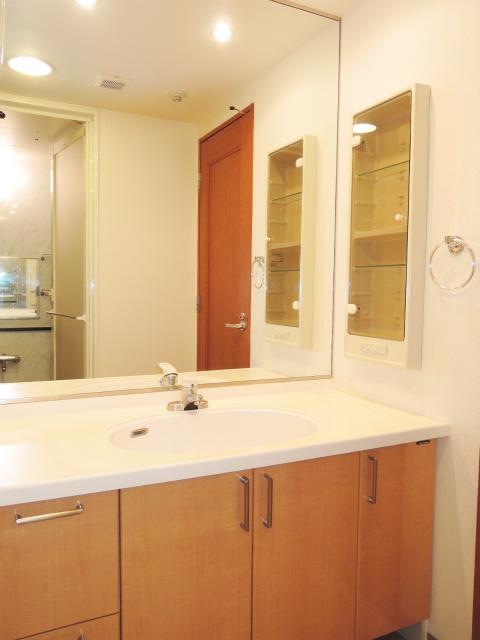 横浜市鶴見区の賃貸マンション ナイスビューリヨン横濱鶴見705号室 洗面室