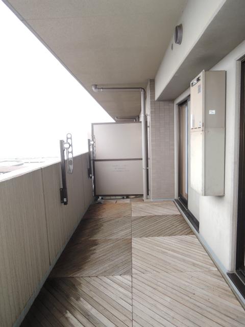 横浜市鶴見区の賃貸マンション ナイスビューリヨン横濱鶴見705号室 バルコニー