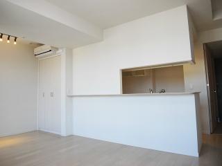 横浜市鶴見区の分譲賃貸マンション ロイヤルタワー横濱鶴見 1010号室 リビング