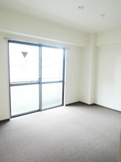 横浜市鶴見区の賃貸マンション 日神パレス鶴見市場 302号室 明るい居室