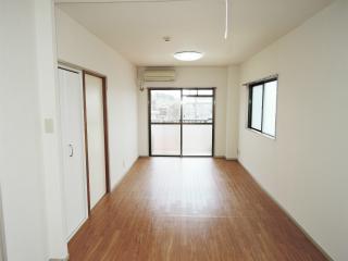 川崎市幸区の賃貸マンション 加賀見ビル 306号室 広々リビング