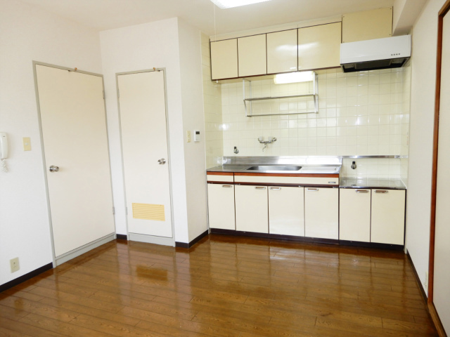 横浜市鶴見区の賃貸マンション グリーンハイツ平安206のリビング