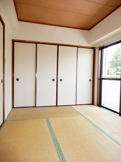 横浜市鶴見区の賃貸マンション グリーンハイツ平安206のリビング2