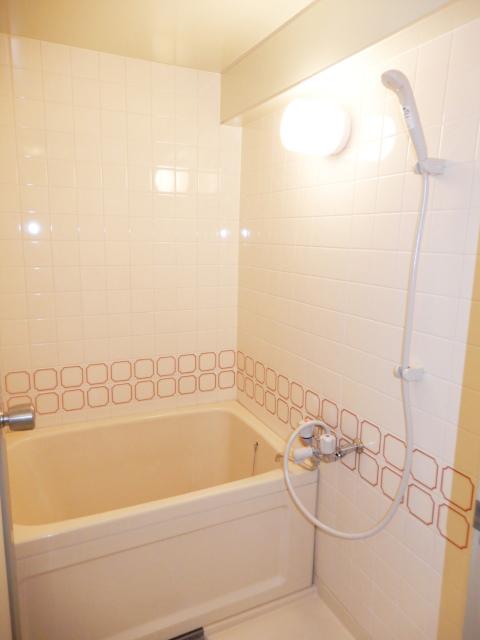 横浜市鶴見区の賃貸マンション グリーンハイツ平安206のお風呂