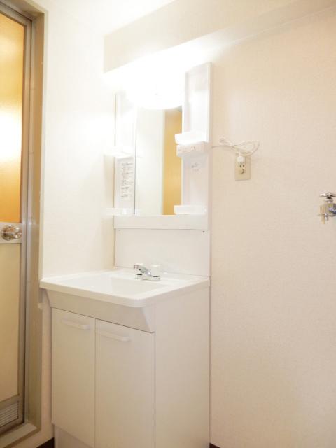 横浜市鶴見区の賃貸マンション グリーンハイツ平安206の洗面