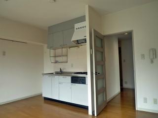 神奈川県横須賀市の賃貸マンション グラン・ベルデ 303 キッチン