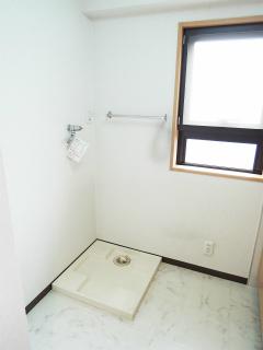 東京都大田区の賃貸マンション ハイネス多摩川 408号室 洗濯機置場