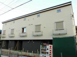 横浜市鶴見区の新築テラスハウス テラスルピナス 外観です